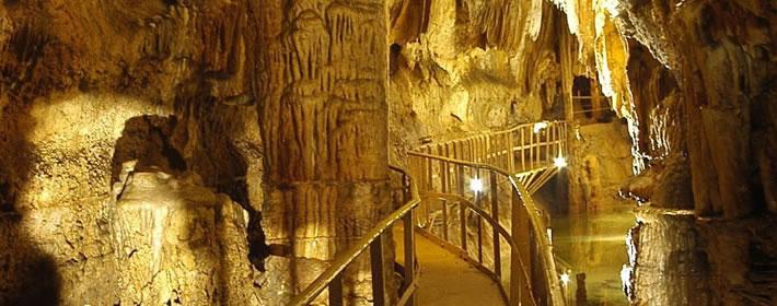 grotte-limousis.jpg