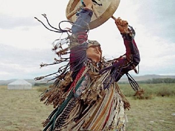 f76c71f184abede692fa3224ba687a84--shamanism-tambour.jpg